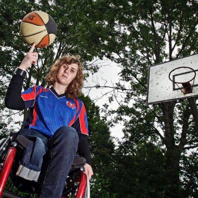 <strong>Rolstoelbasketbalster  Daphne van de Broek</strong>
