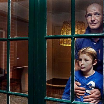 <strong>Jan van der Meer en zijn zoontje Nick, wonen anti-kraak</strong>