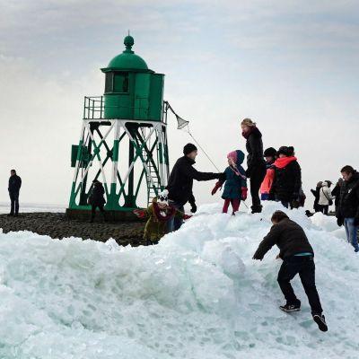 <strong>Kruiend ijs  Hindeloopen</strong>