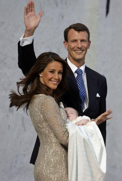 <strong>Prins Joachim en Marie met de gedoopte prins Henrik carl Joachim</strong>