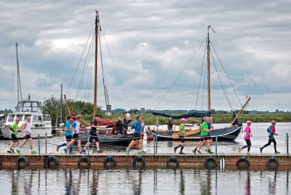 <strong>Mar-athon rond het Sneekermeer</strong>
