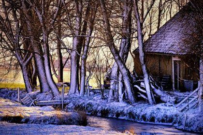 <strong>Wintersplaatje bij ijlst</strong>