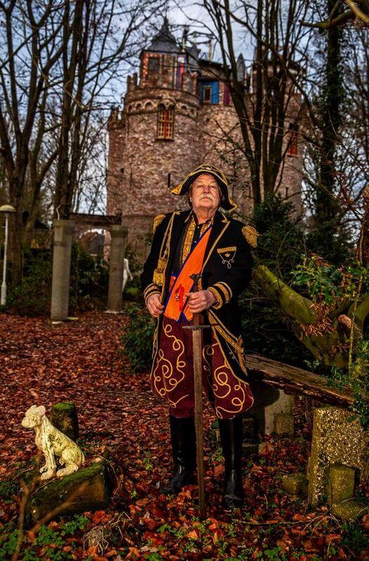 <strong>Kasteelheer Gerry (Gregorius) Halman uit Blesdijke bouwde zijn eigen kasteel: Olt Stoutenburght</strong>