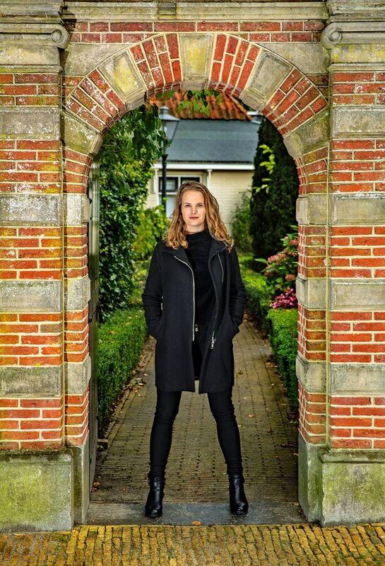 <strong>Celliste Dana de Vries</strong>