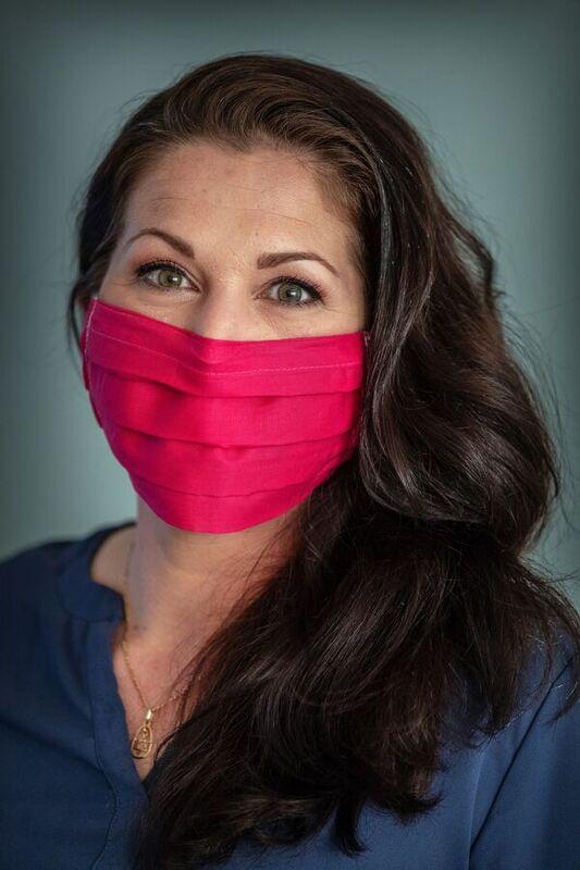 <strong>Mensen gaan steeds vaker mondkapjes maken. Joyce Menninga doet dit ook</strong>
