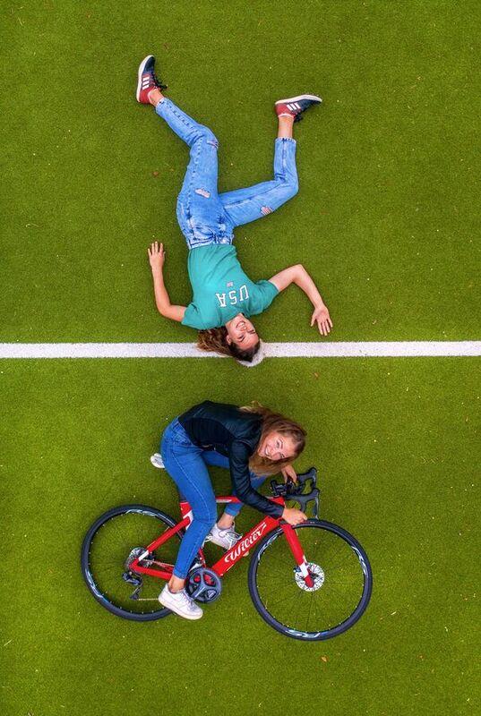 <strong>sportieve zussen Steigenga, atlete Ilse en wielrenster Nicole</strong>